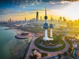Covid-19 trápí i Kuvajt, Katar, Omán a Bahrajn