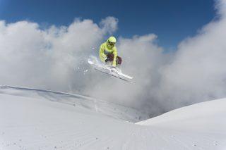 Alpská lyžařská střediska sázejí na vědu, aby jim zachránila sníh