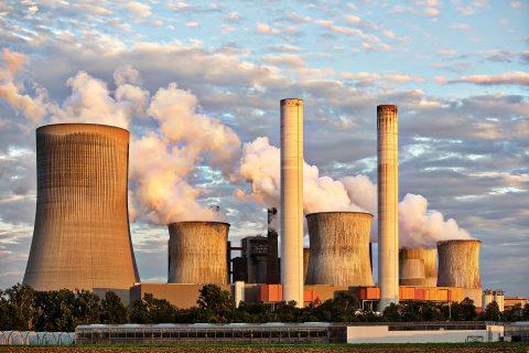 Salvador zvýšil výrobu elektrické energie z fosilních paliv