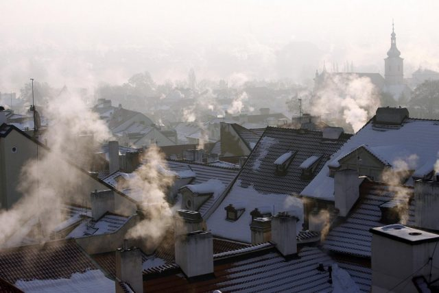Dým z pražských komínů, ilustrační foto