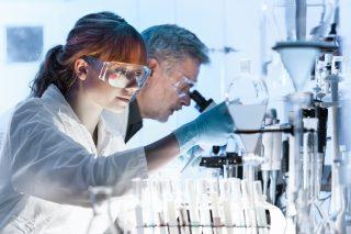 Kanada nabízí vědecké granty v Česku