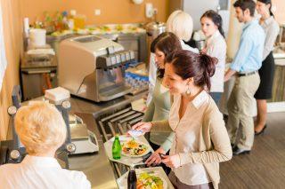 AMSP ČR: Zaměstnanecké stravování generuje 22 % tržeb v restauracích, jídelnách a kantýnách