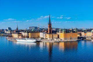 Ve Švédsku epidemie graduje, Volvo zastaví výrobu. Stát chystá pomoc v přepočtu za víc než tři biliony korun