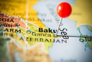 V Ázerbájdžánu zanesli šíření koronaviru do trestního zákoníku. Hrozí až pět let vězení