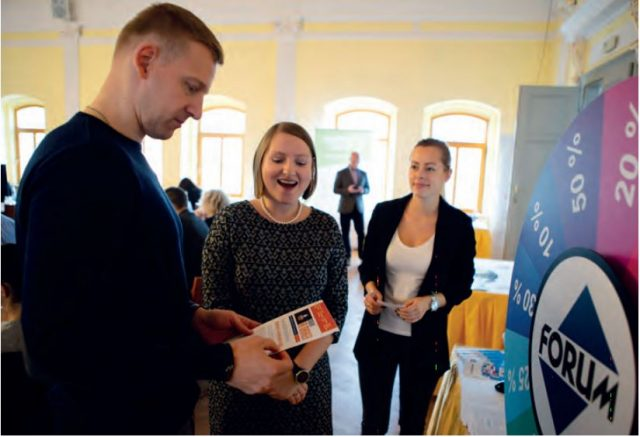 U mediálního partnera konference společnosti Forum si mohli účastníci vylosovat na kole štěstí slevu na předplatné jejích titulů.