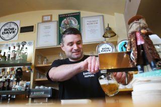 Krkonošská hospůdka v Praze: Pocta pivu a horám