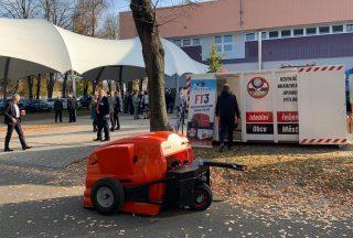 Technologie budoucnosti. Česká firma opravuje výmoly na silnicích revoluční metodou
