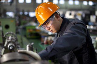 Hospodářská komora loni vyřizovala žádosti firem o 17 tisíc pracovníků z Východu