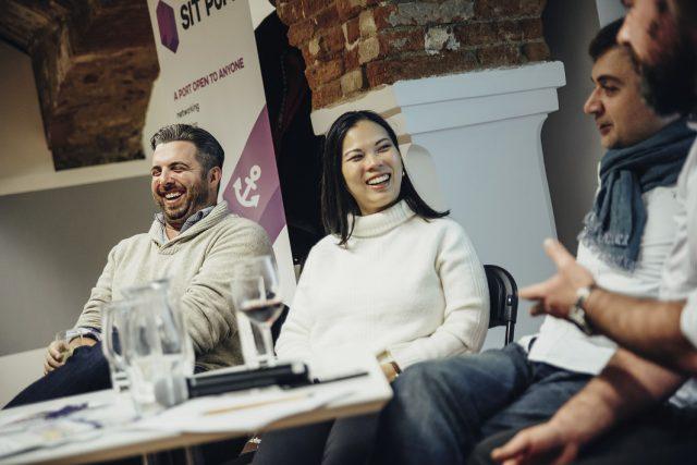 Spolupracujeme s vládou a jsme schopni zařídit podnikatelská víza, připomněla na setkání s českými startupy paní Grace Sai.