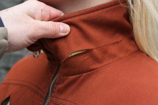 Královéhradecká firma se chce prosadit v Evropě s bundami proti útokům nožem a znásilnění
