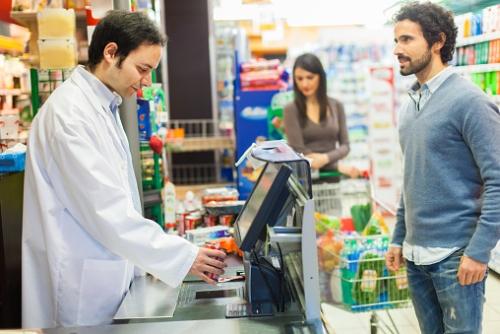 Češi stále víc utrácejí, tržby obchodů letí vzhůru