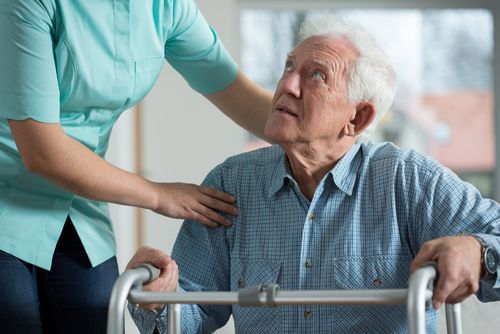 Sociálním službám hrozí kolaps do deseti let. V domovech pro seniory chybí tisíce míst