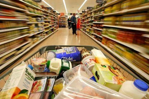 Češi utrácejí jak o život. Zářijové tržby maloobchodu překonaly očekávání ekonomů