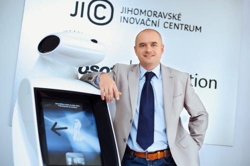Jiří Hudeček, JIC