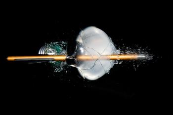 žárovka výbuch