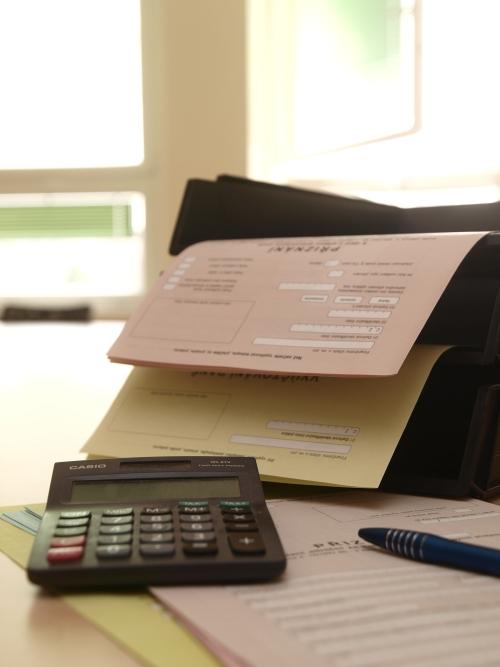 daň přiznání, kalkulačka, tiskárna