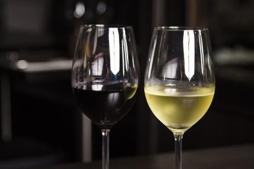 Světová vinařská soutěž míří ze Švýcarska na Moravu