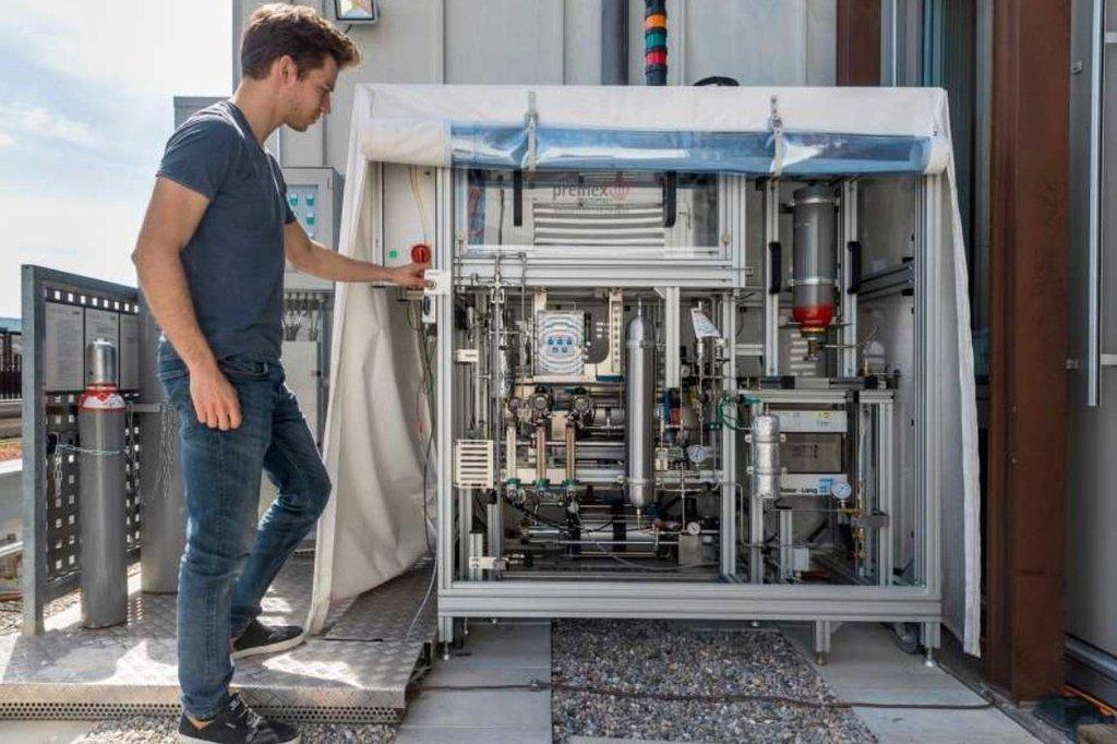 Solární reaktor vyrábí palivo z CO2 a vody z okolního vzduchu, autor: ETH Zurich / Alessandro Della Bella