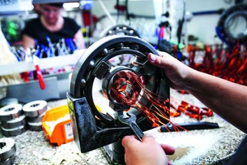 Výroba elektromotorů ve firmě Sopo, autor: Martin Pinkas/Euro