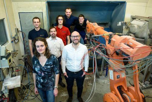 Radek Mušálek a jeho kolegové získali prestižní cenu Wernera Siemense v kategorii základního výzkumu. Zdroj: Archiv Euro