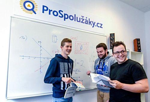 Tým projektu ProSpolužáky.cz. Zakladatel Marek Liška vpravo. Zdroj: ProSpolužáky.cz