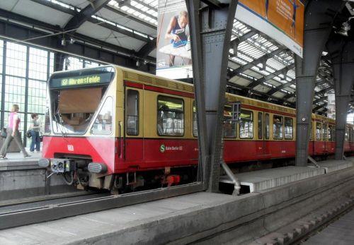 Vlaky pro Berlín. Plzeňská Škoda bojuje s čínským gigantem o miliardovou zakázku