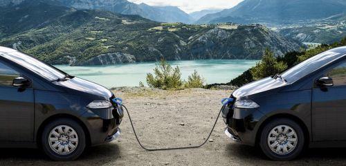 Vzájemné dobíjení vozů. Autor: Sono Motors