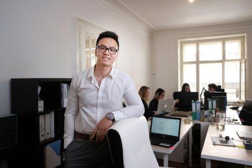 Nguyen Vuong Thien provozuje s bratrem firmu Vietjobs, autor: Hynek Glos/Euro