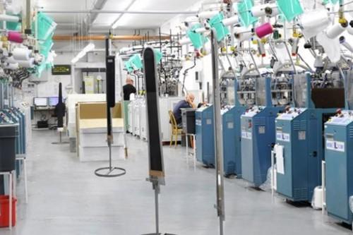Výrobní závod společnosti Aries, kde se vyrábějí ponožky z prémiových materiálů. Foto: Aries
