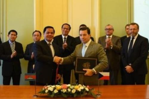 V Černínském paláci se konalo Česko-kambodžské podnikatelské fórum