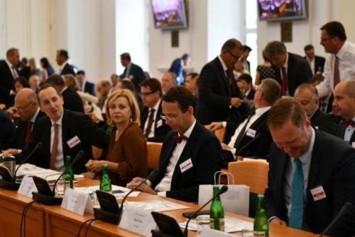 V Černínském paláci skončila porada českých velvyslanců