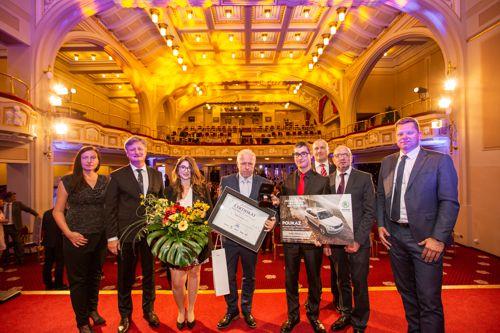 Byly vyhlášeny nejlepší rodinné firmy roku 2018, vavříny získaly Petrof a VMS Vision