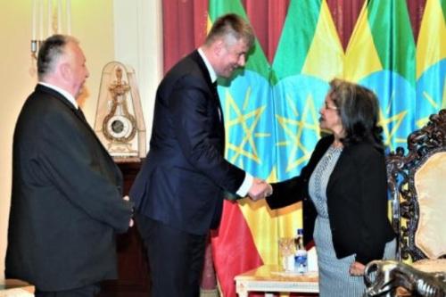 Česko má v Africe dveře otevřené. Petříček v Etiopii podpořil ekonomickou i rozvojovou spolupráci