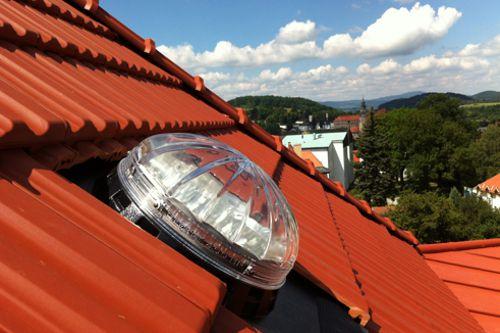 Světlovody přinášejí denní světlo do uzavřených prostor bez oken, z Česka dobývají svět