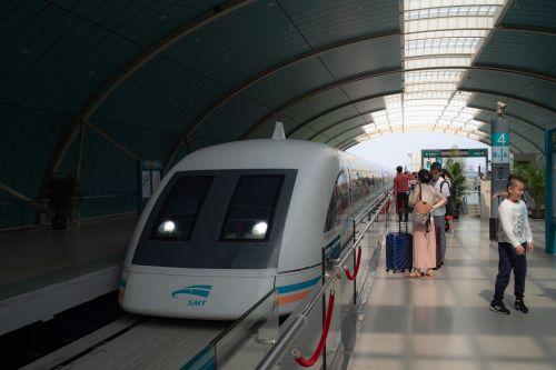 Maglev v Číně má jezdit až 1000 km/h. O využití německého vynálezu se znovu uvažuje i v Evropě