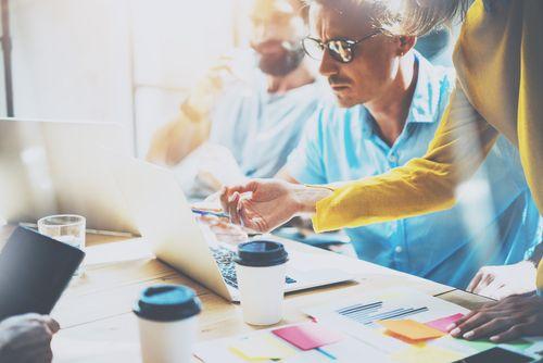 Růst mezd komplikuje nábor zaměstnanců především menším firmám