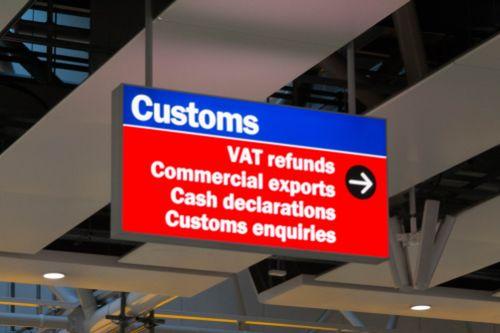 Snižte si náklady při obchodování v cizině. Do září žádejte o vrácení DPH