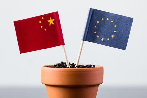Evropská komise bilancuje vztahy s Čínou a navrhuje 10 opatření
