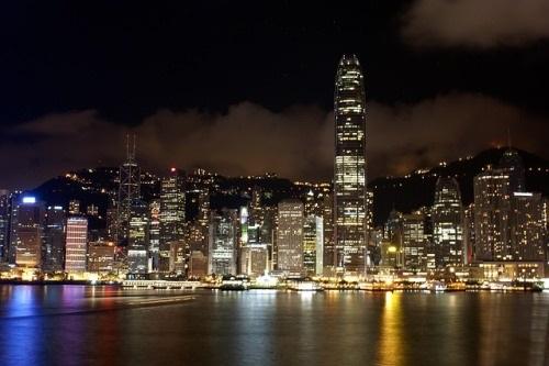 Ministr financí Hongkongu přednesl návrh státního rozpočtu pro finanční rok 2019–2020