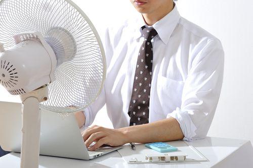 Klimatizace hltá stále víc elektřiny. Kvůli chlazení v létě spotřeba překonala i zimní měsíce