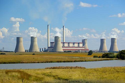 Češi by mohli Turkům dodat části válcoven a dokončit obří elektrárnu Soma