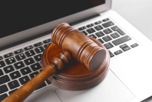 Právní elektronický systém pro podnikatele vstupuje do ostrého provozu