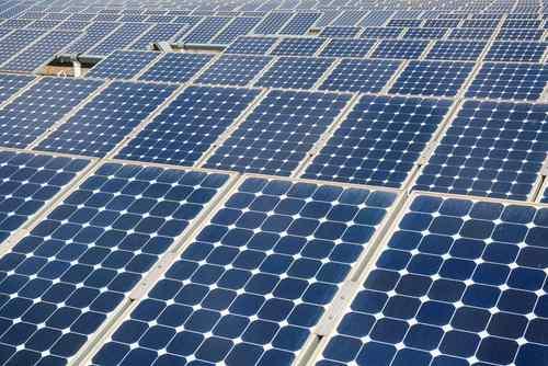 Evropský sen o energii ze Sahary stále žije. Do projektu vstoupily Čína a Saúdská Arábie