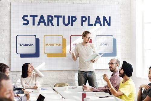 Startup prodává vizi a budoucnost, říká advokát Jakub Císař