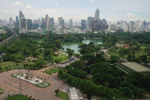 STŘEDOBOD REGIONU. Bangkok je hlavní základnou pro západní byznysmeny nejen při obchodu s Thajskem, ale také s Kambodžou nebo Laosem.