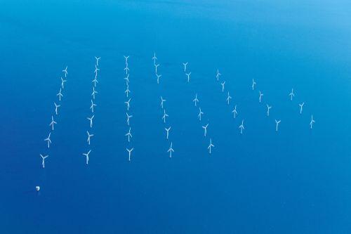 Větrné turbíny mohou vyrobit mnohem více elektřiny, než lidstvo spotřebuje