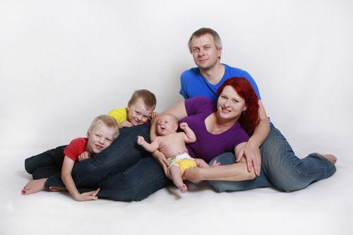 Zuzana Hloušková s rodinou... a plenkou Bamboolik. Foto: Bamboolik