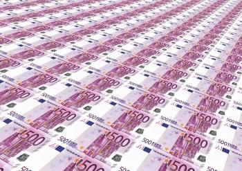 eurobankovky v řadách