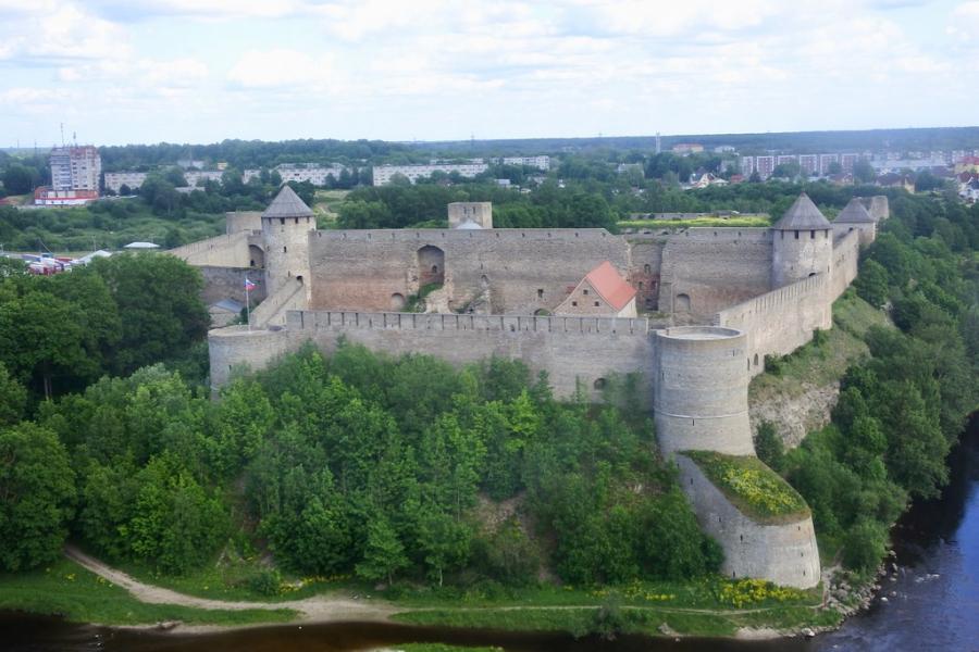 Itä - Viron kiehtova historia 6.7.- 9.7. (4pv) 1