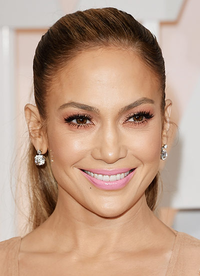 Jennifer Lopez Loves These 5 Lipstick Shades Lattitude